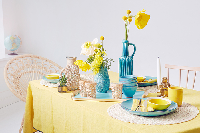 still life, laid table, table, color blocking, modern living, bast, ibiza style, tableware, summer, flowers