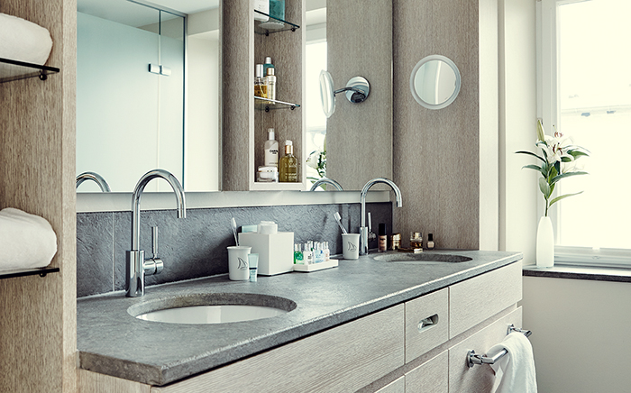 hotel, hotelroom, interiordesign, traveller, hotel living, cosy, classic, modern tradtion, bathroom