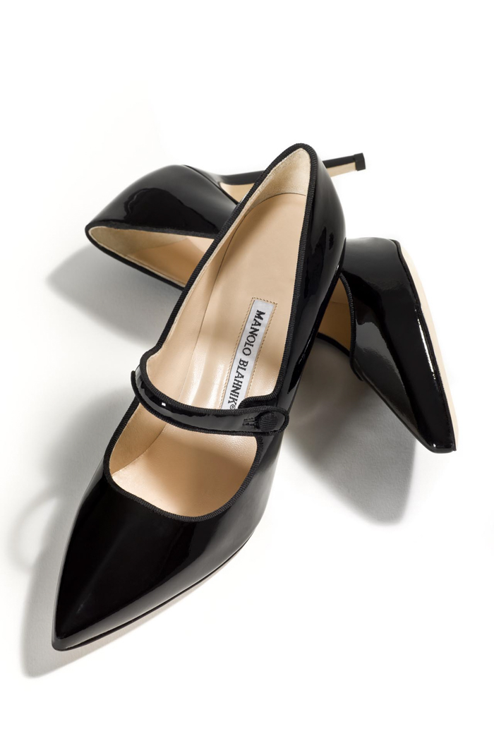 A plain and simple Manolo Blahnik shoe.