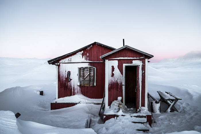 Life in the Arctic region is pretty tough and there is still chance to meet adventures traveling on their own feet without any kind of transport.This is the reason why across Svalbard land traveller may notice many small houses with not locked door.