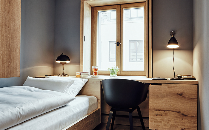 hotel, hotelroom, modern living, interior design, modern design, scandi, traveller, scandinavian design, young hotel, colors, cosy, bed