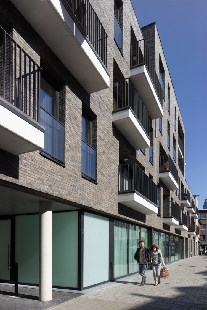 exterior shot of housing project. Schellen Architects.