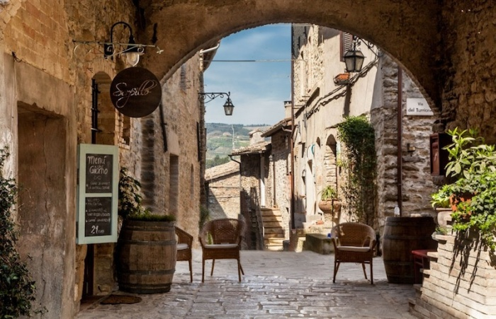 «La Vite», è una splendida location a due passi da Assisi (PG), incastonata in un borgo medievale.