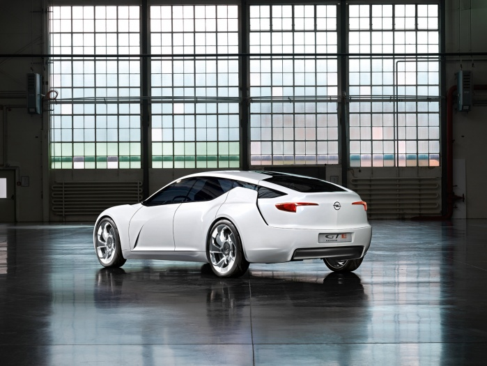 The 2010 Showcar Opel Flextreme GT/E, designed by Boris Jacob and his Team, with a CW of 0,22 !